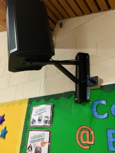 School PA system Speaker medium-weight 7